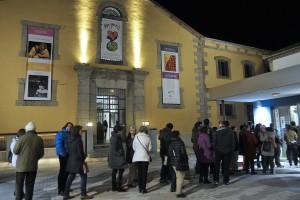 Público a la entrada de la Sala Ex. Presa 1 de La Cárcel_Segovia Centro de Creación
