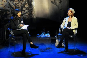 """Angélica Tanarro y Carmen Alborch ponen el colofón a las charlas del VI Encuentro """"Mujeres que transforman el mundo"""". Fotografías de Alberto Benavente"""